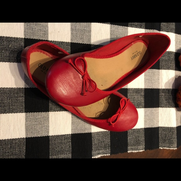 Old Navy Shoes - Red flats comfy and cute